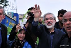 Mousavi had only made vague references to a general strike, but so far no call for such a strike had been made. Photo by Hamed Saber.