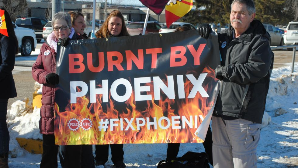 Public Service Alliance of Canada (PSAC) protes the Phoenix Pay System outside in Saskatchewan (Photo Credit: Teena Monteleone/paNOW Staff)
