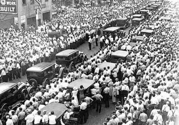 Funeral procession for Henry Ness. (Teamster Nation Blog)