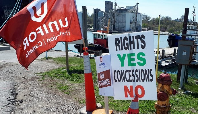 Unifor picket at Goderich
